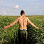 Rückenhaare entfernen - geht das auch schmerzfrei?